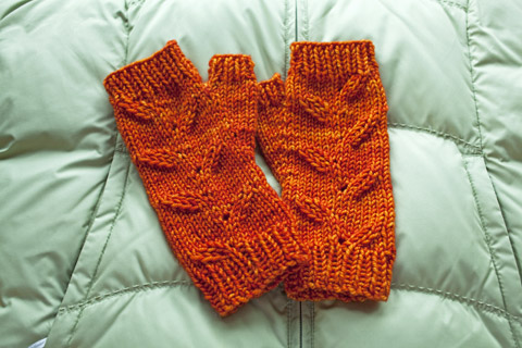 Harvest Date Fingerless Mittens With Madelinetosh