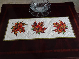 Autumn Leaves Quilt Pattern. Table runner made by Elisabeth | Whims And Fancies